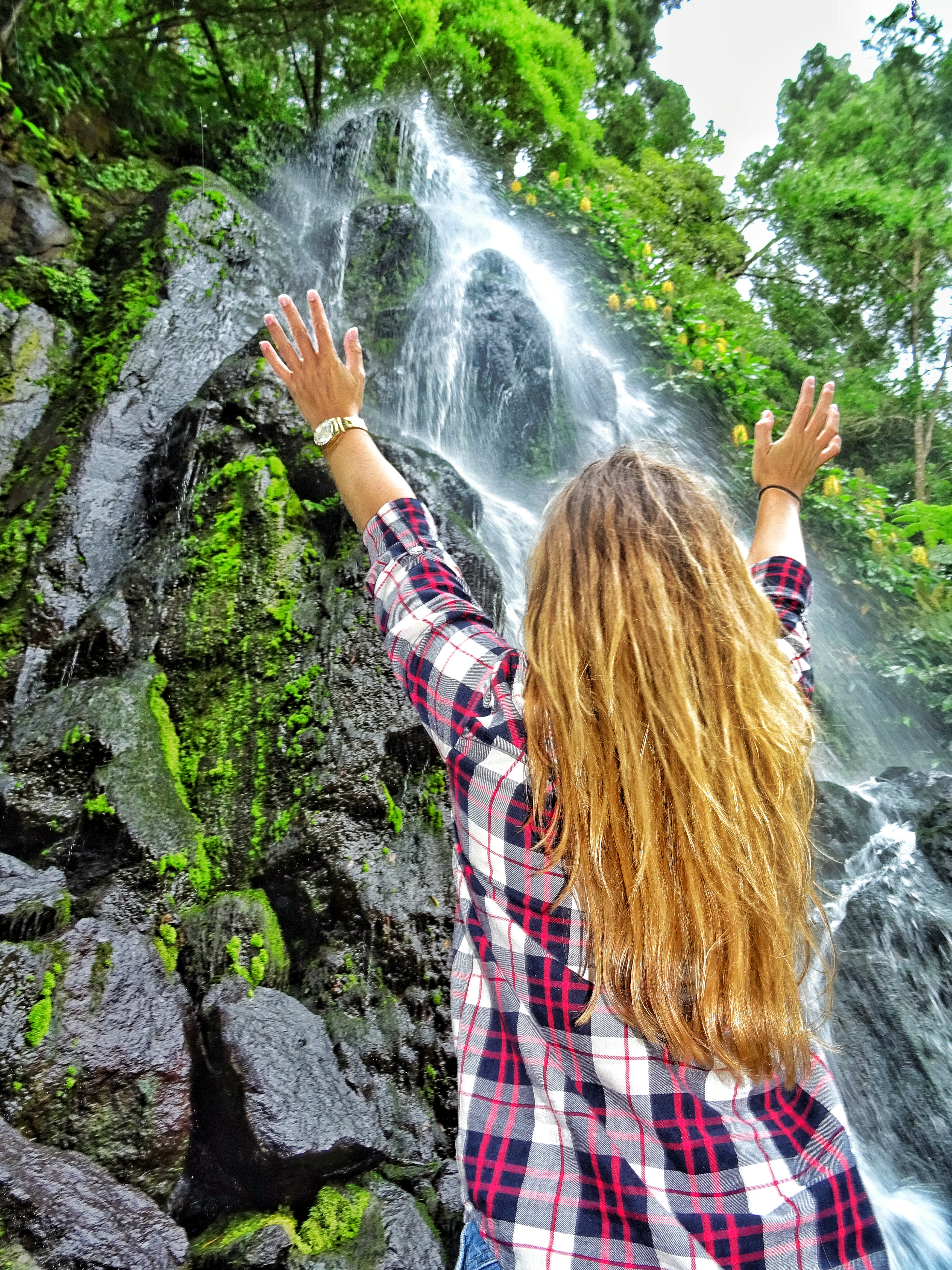 Algarve Weather February >> Waterfalls to discover at the Azores: the bucket list - WORLD WANDERISTA